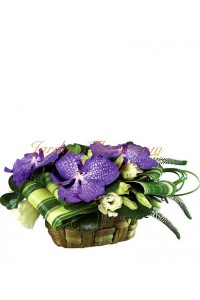 Композиция с орхидеи и еустоми