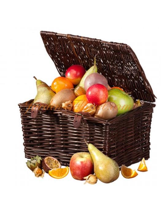 Пикник с плодове