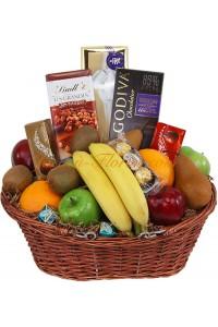 Кошница плодове и шоколадови изкушения