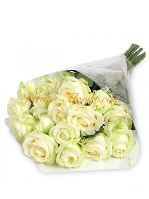 Класически букет от бели рози