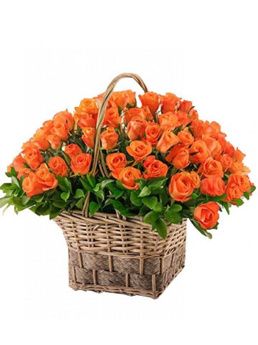 Кошница 51 оранжеви рози